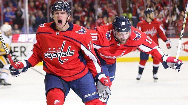 Tenhle kluk může rozhodovat ve finále Stanley Cupu, chválí českého borce v zámoří